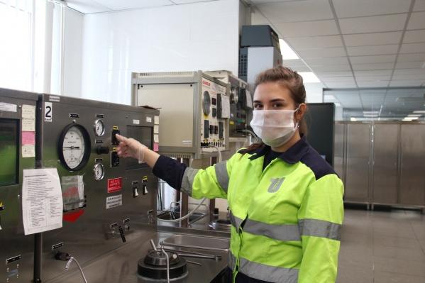 Безопасность сотрудников и до пандемии была для предприятия в приоритете, теперь контроль усилился и безопасность во всех направлениях контролируется с двойной силой