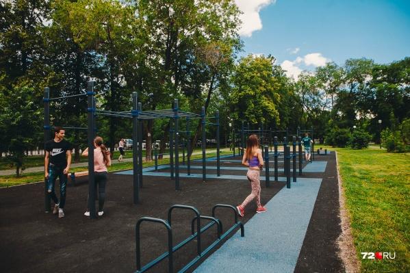 Для горожан остаются закрытыми спортивные площадки и спортзалы