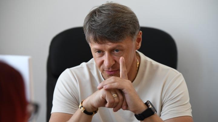 «Меня за это не посадят»: уральский «пельмень» Сергей Исаев — о цензуре и шутке про обнуление