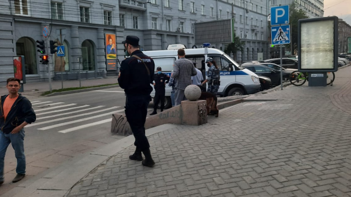 После скандальной вечеринки на Ленина в центре Новосибирска дежурит полиция