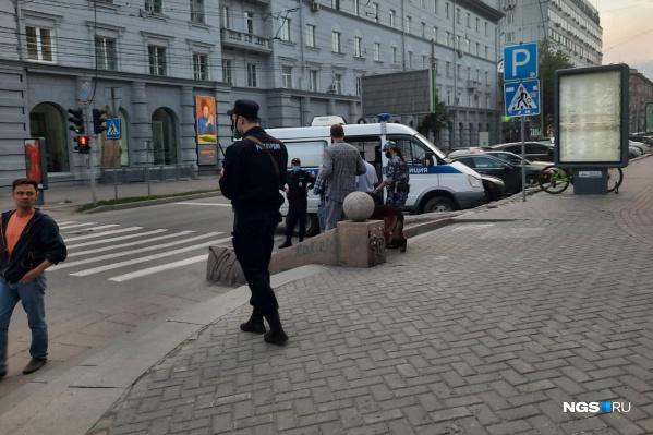 Полиция следит за тем, что происходит в центре города