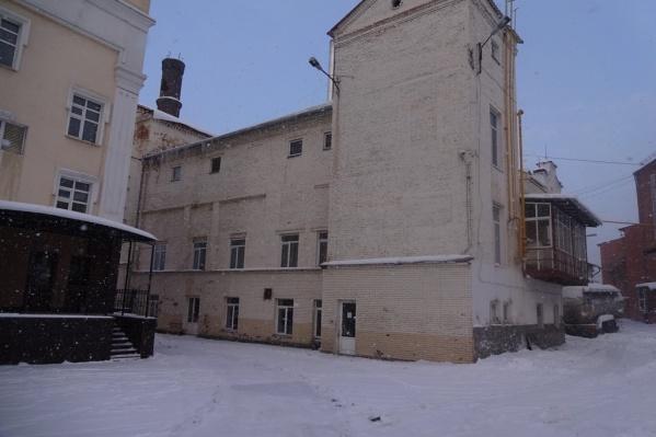 Так выглядит здание, выставленное на продажу