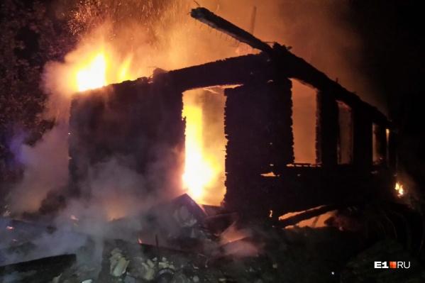 Зданиеселекционной станции садоводства выгорело полностью