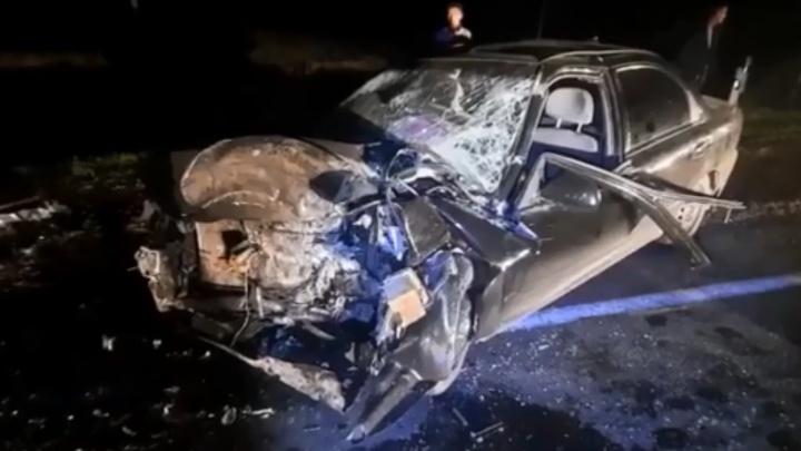 В Башкирии КАМАЗ протаранил легковушку, один человек погиб