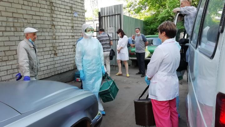 «Мазки могут испортиться»: в больницах рассказали, что происходит с нашими анализами на коронавирус