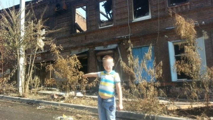 Сын ростовских погорельцев написал Путину о бедах семьи. В ответ матери пригрозили забрать ребенка
