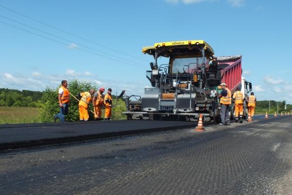 Общая протяжённость автодороги составляет 250 километров, за два года планируется отремонтировать четвёртую часть