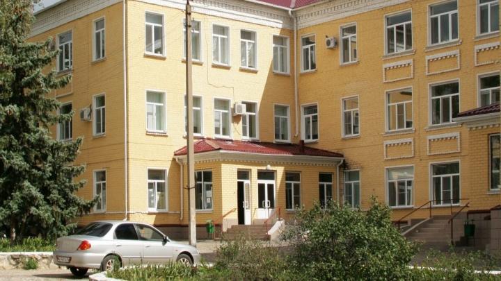 Сейчас там ремонт: на базе Жирновского роддома могут развернуть инфекционный госпиталь