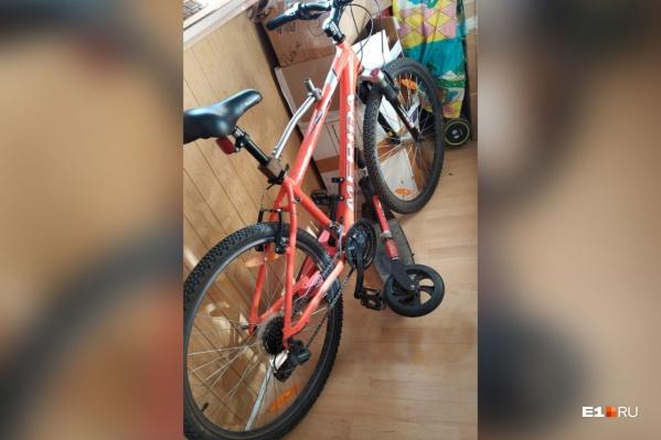 Вместе с девочкой пропал велосипед
