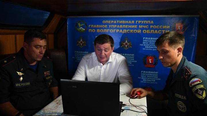 «Порывы ветра достигали 30 м/с, высота огня огромная»: Андрей Бочаров провел совещание по природным пожарам