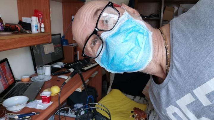 «Меня спасали горячий чай и рюмочка бальзама»: уралец переболел коронавирусом и поправился