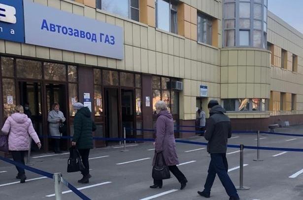 «Здоровье сотрудников в приоритете»: на ГАЗе рассказали, как организовали работу на проходных