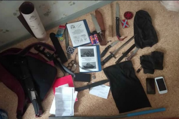 Задержанные готовили взрывчатку и подговаривали других к массовым расправам, считают в ФСБ
