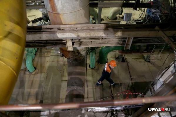 Как оказалось, рабочие не до конца закрутили вентиль, который перекрывает отопление