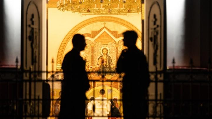 На Рождество и Крещение ростовчан пустят в храмы, но только в масках