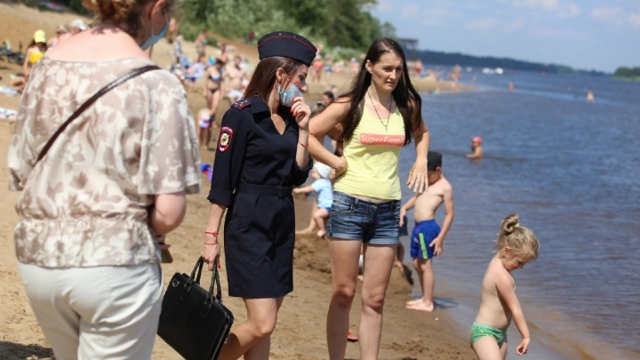 «Как мы их всех выгонять будем?»: в Ярославле устроили рейд на пляжах