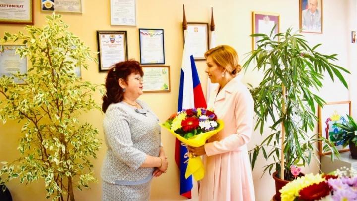 Депутата от «Единой России», которая руководит в Нарьян-Маре школой, подозревают во взятках