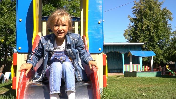 «Она хочет стать врачом». Что стало с Зариной Авгоновой спустя год после чудесного спасения