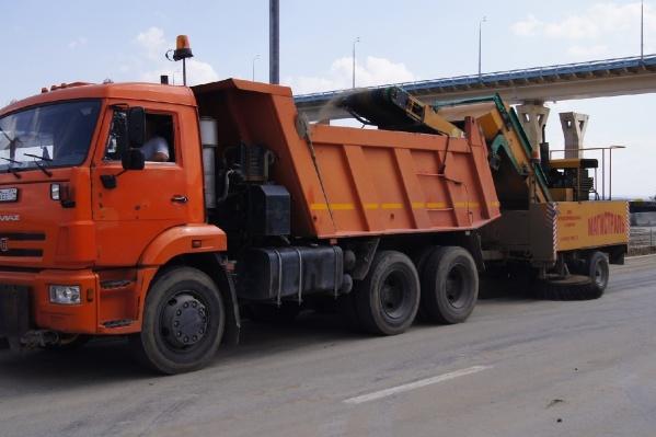 Уборку начали с основных магистралей