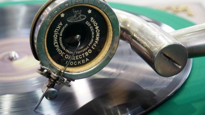 Граммофон, мушечница, револьвер. Гуляем по Нижегородскому музею-заповеднику онлайн