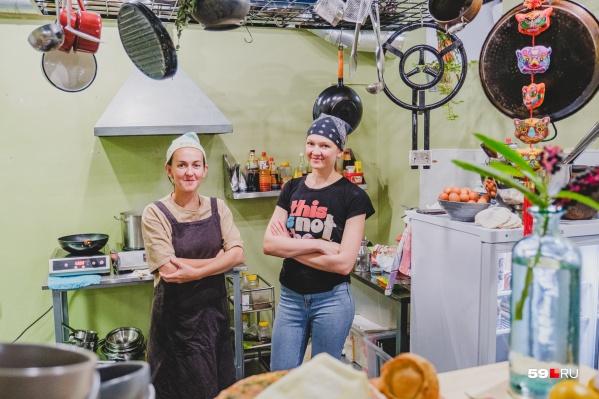 Алевтина Тютикова и Наталья Шавкунова открывают заведение непривычного для Перми типа — чуфальню