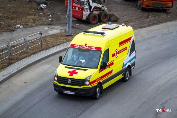 Кемеровские врачи провели несколько консультаций и операцию, но спасти мужчину не удалось