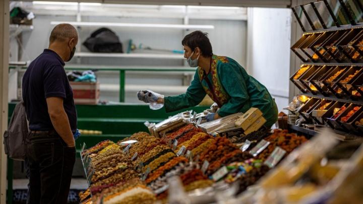 Врач рассказала, чем опасны орехи на рынках