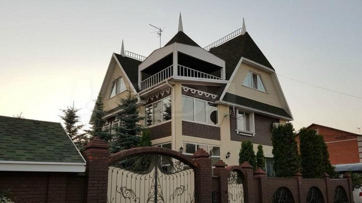 Дорогие и элитные: рассматриваем дома, которые (не) могут купить тюменцы