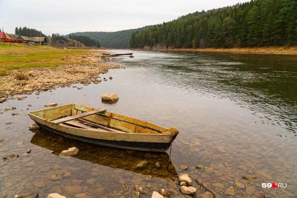 Река Чусовая — по ней сплавляется множество туристов
