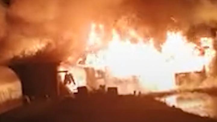 Пожар в Вознесенском районе: огонь уничтожил дом семьи, в которой воспитывается восемь детей