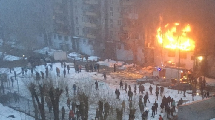 Что известно о взрыве в жилом доме в Магнитогорске — в одной карточке