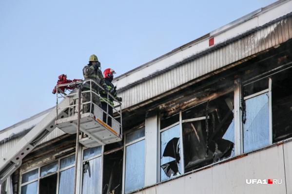 Тушил станцию переливания крови 61 пожарный
