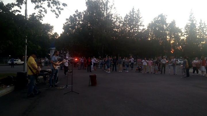 Музыканты, играющие на фонтане «Часы», извинились перед уфимкой