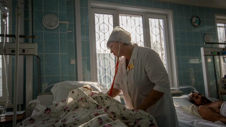 «Выпадают волосы»: какие последствия коронавируса просыпаются через полгода — истории переболевших