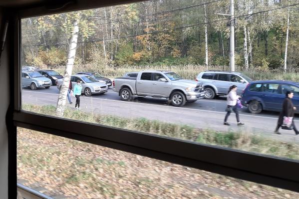 Выбраться из Брагино утром 1 октября можно было только пешком или на трамвае