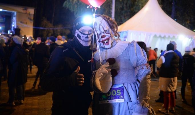 В темноте и с фонариками: как стать участником ночного забега по Екатеринбургу и где взять справки