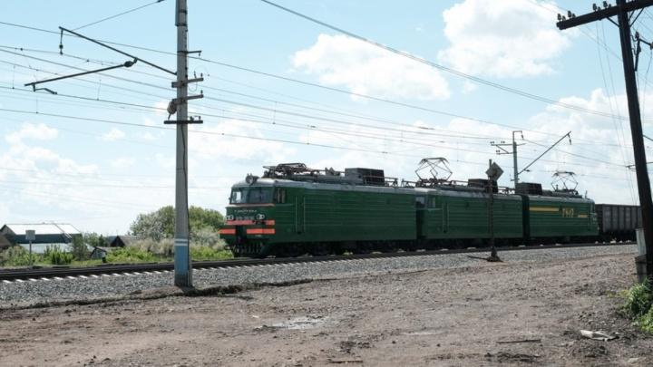 В Прикамье грузовой поезд насмерть сбил 60-летнюю женщину, переходившую пути