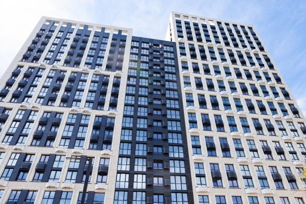 Жить в просторной квартире в центре города — мечта многих