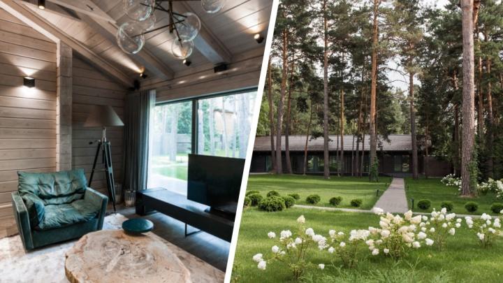 У Заельцовского парка продают фешенебельный деревянный дом за 92 миллиона. Разглядываем его изнутри