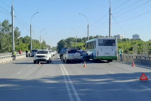 ДТП произошло в Кировском районе Новосибирска
