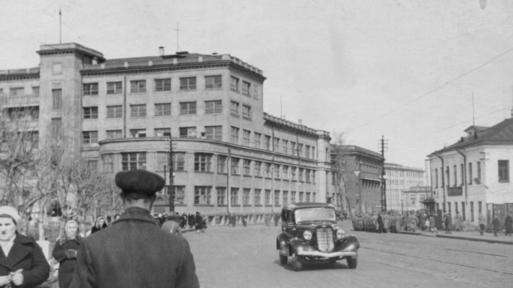 Тест по черно-белым кадрам: удастся ли вам узнать Архангельск на этих снимках сороковых?