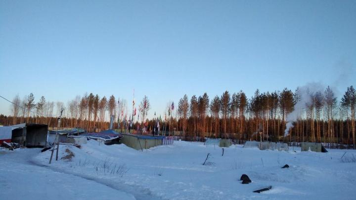 Суд обязал активистов на станции Шиес разобрать деревянный навес