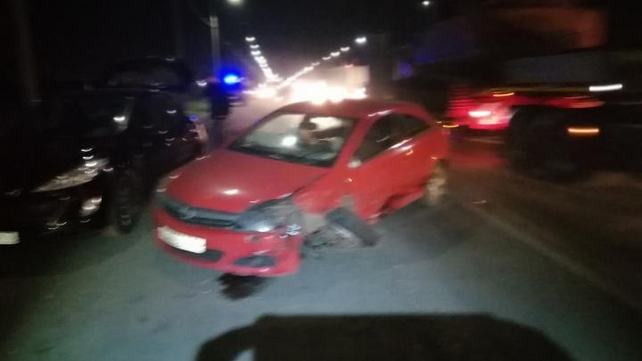 Пять машин и пять пострадавших: под Ярославлем произошло массовое ДТП