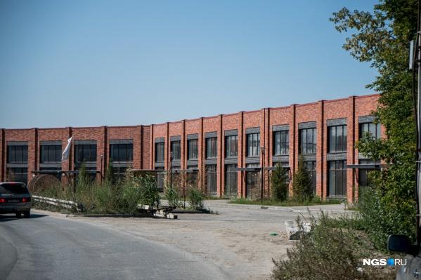 Вместо в целом симпатичного делового здания за «Гигантом» появится целый жилой комплекс