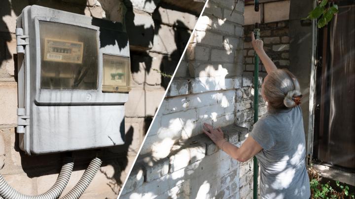 «Будет труп — будет дело»: волгоградка 12 лет выживает в доме без газа и электричества