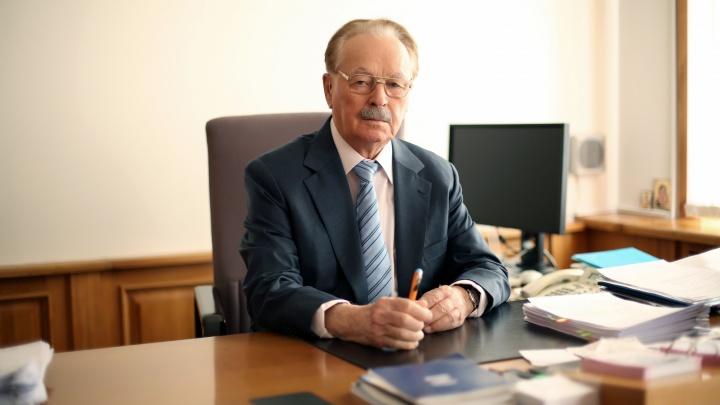 В Челябинске умер старейший банкир России Михаил Братишкин