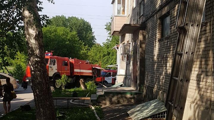 В Советском районе Новосибирска мужчина спас двух соседских девочек во время пожара