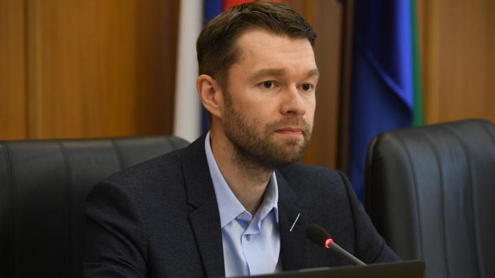 В гордуме Екатеринбурга сняли с поста депутата за слишком негативные комментарии про коллег