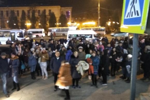 В Самаре из ТЦ «Вива Лэнд» эвакуировали почти 1000 человек