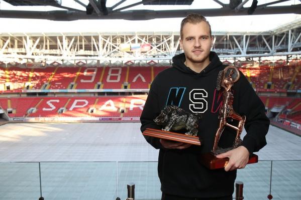 Максименко до 15 лет занимался футболом в Ростове